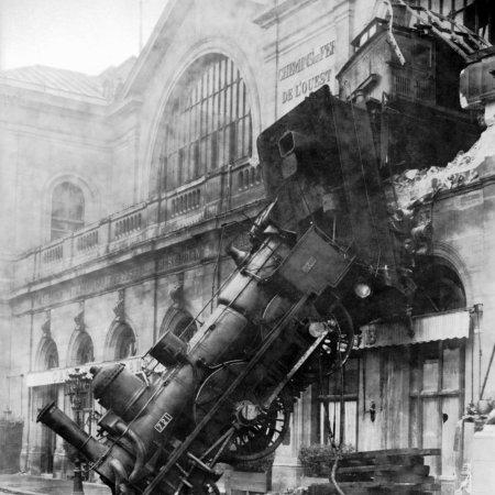 Train wreck at Montparnasse_1895