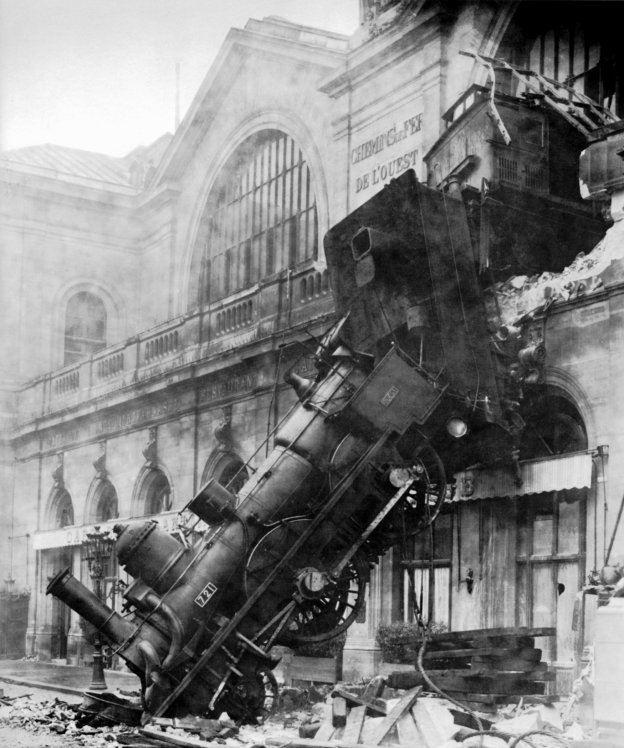 Train wreck at Montparnasse_1895